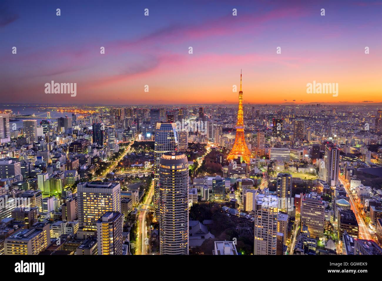 Skyline von Tokyo, Japan bei Tokyo Tower. Stockbild