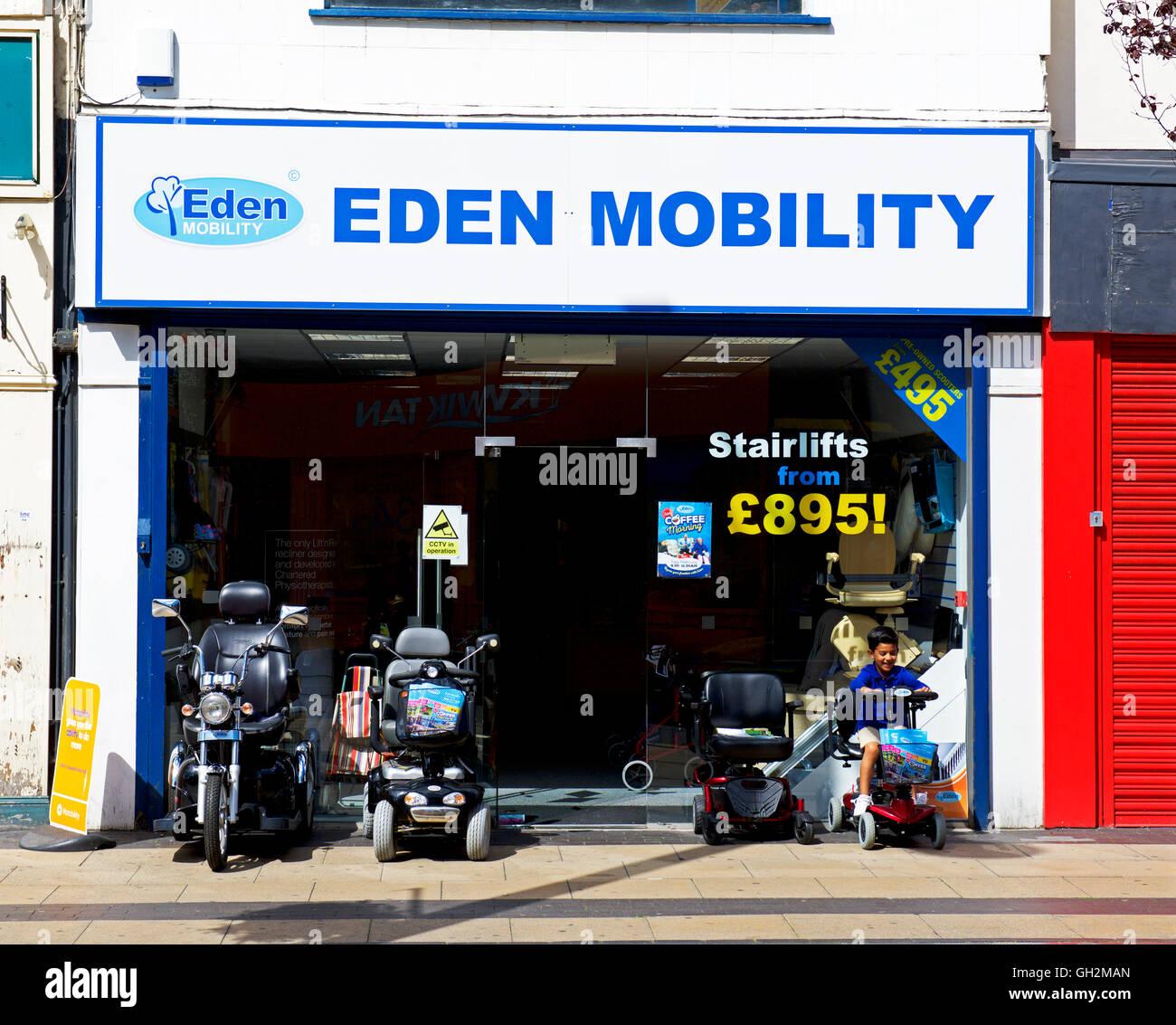 Shop - Eden - Verkauf Mobilität Scooter, England UK Stockbild