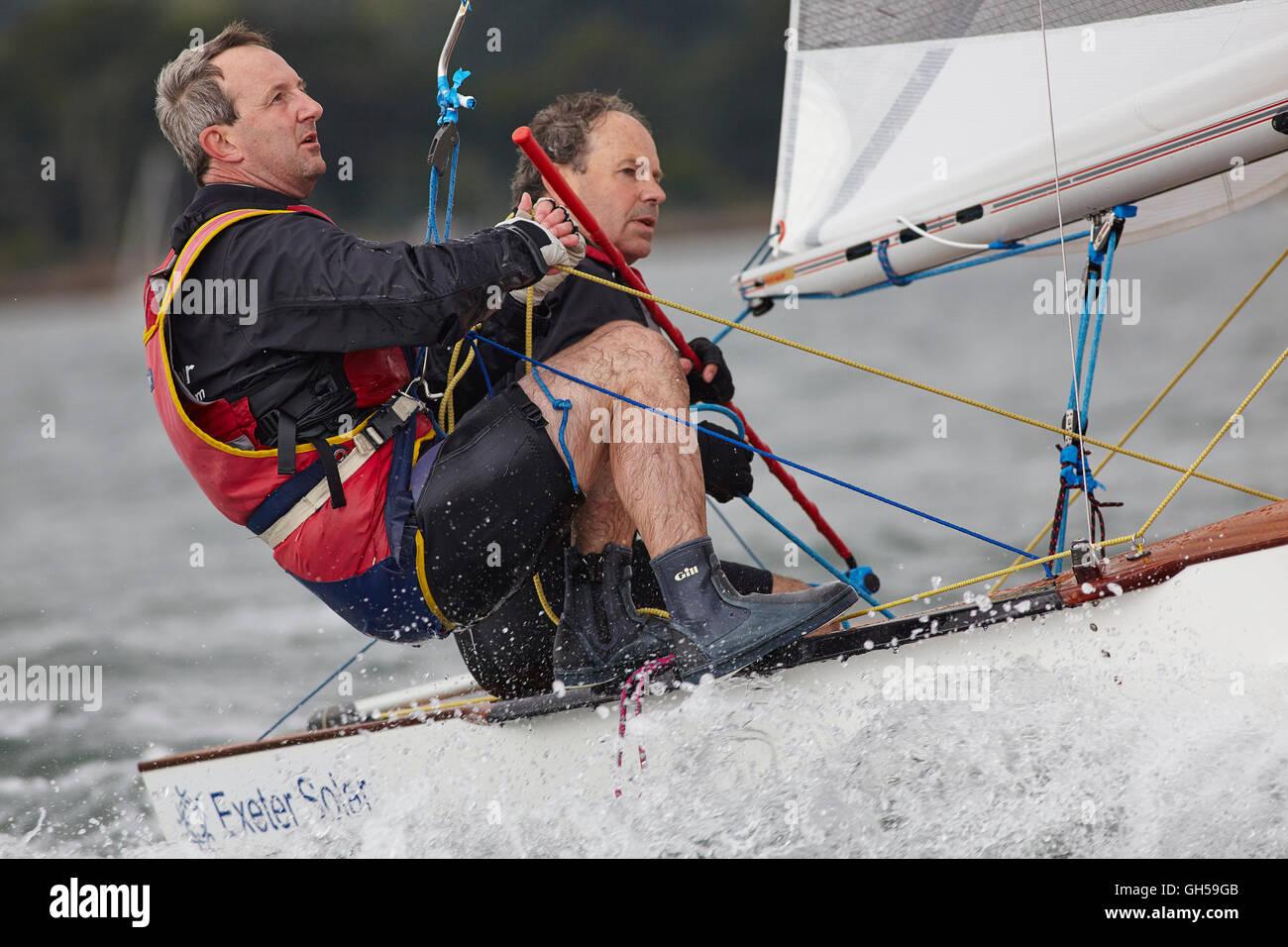 Wettbewerbsfähige Jolle Racing, in der Mündung des Flusses Exe, Südküste von Devon, im Südwesten Stockbild