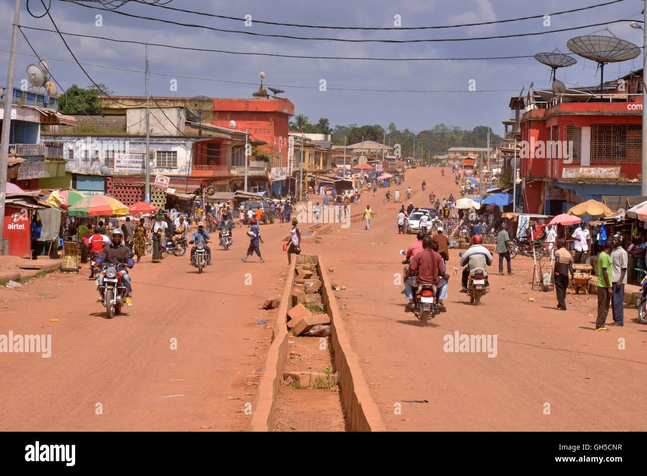 Geographie Reisen Sierra Leone Street Scene Koidu Kono Distrikt Der Ostlichen Provinz Additional Rights Clearance Info Not Available Stockfotografie Alamy