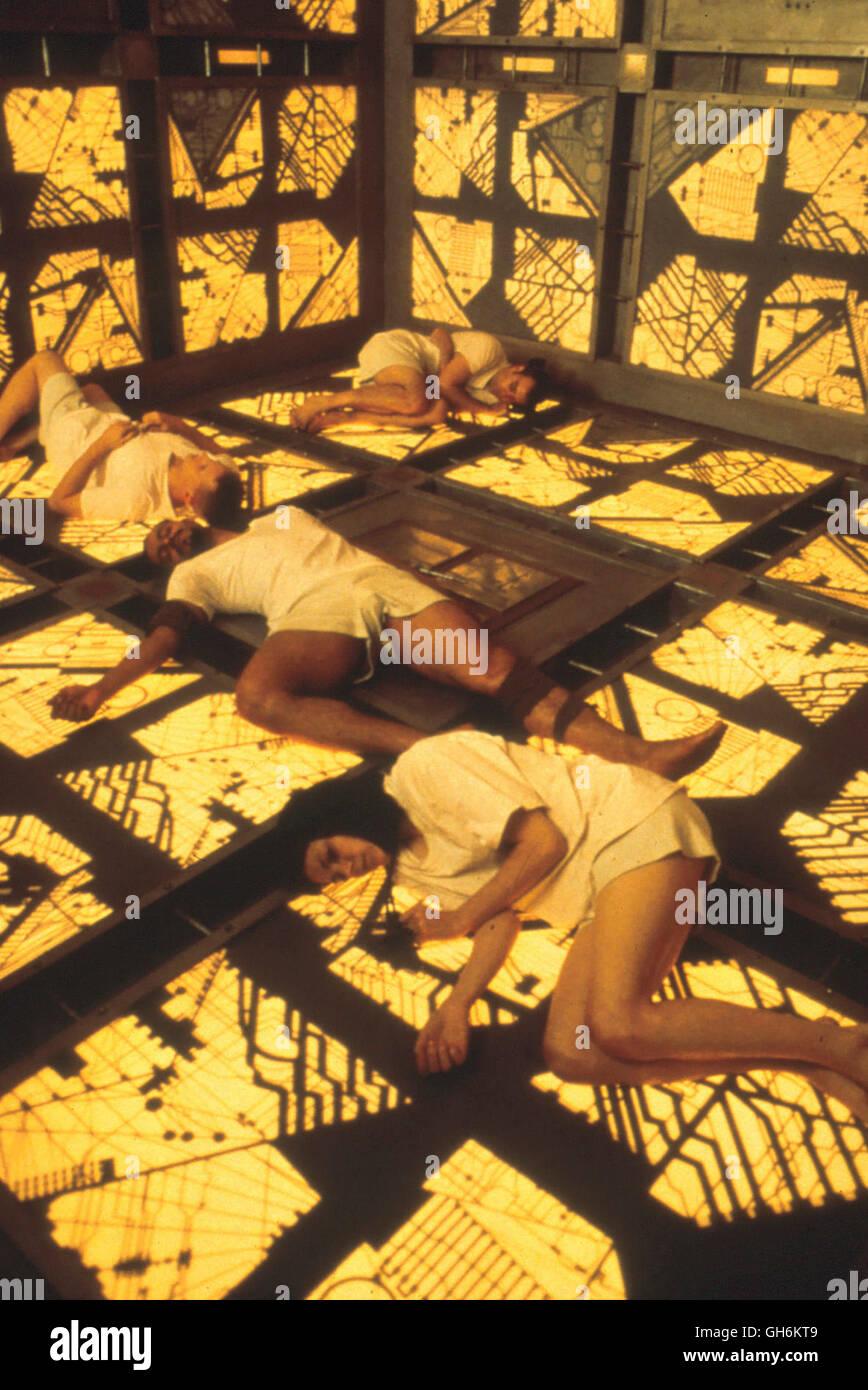 CUBE / Cube CDN 1999 / Vincenco Natali Sechs Ziemlich Normale Menschen Werden Eines Tages aus Unerklärlichen Stockbild