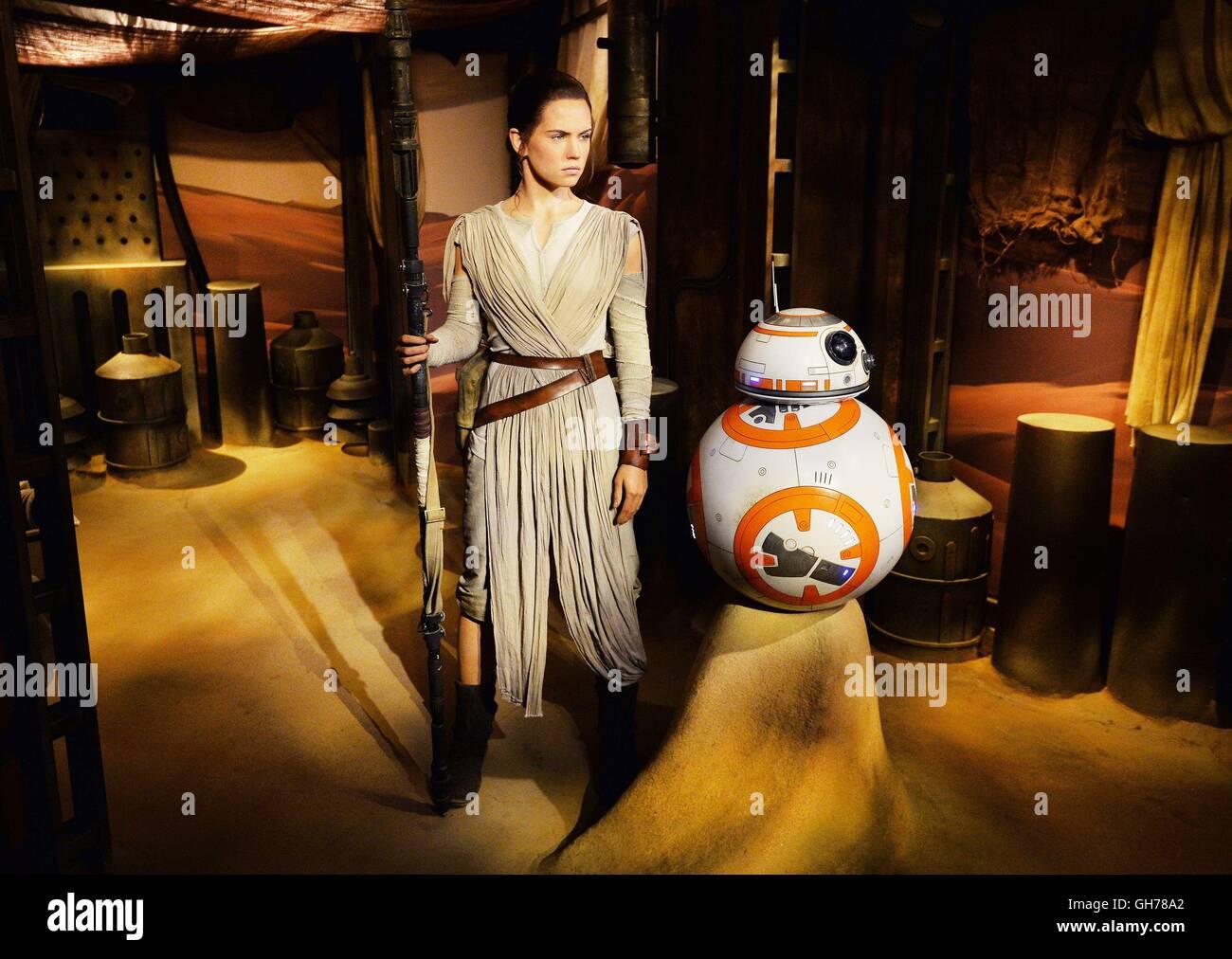 Die Neue Wachsfigur Von Star Wars The Force Awakens Charakter Rey