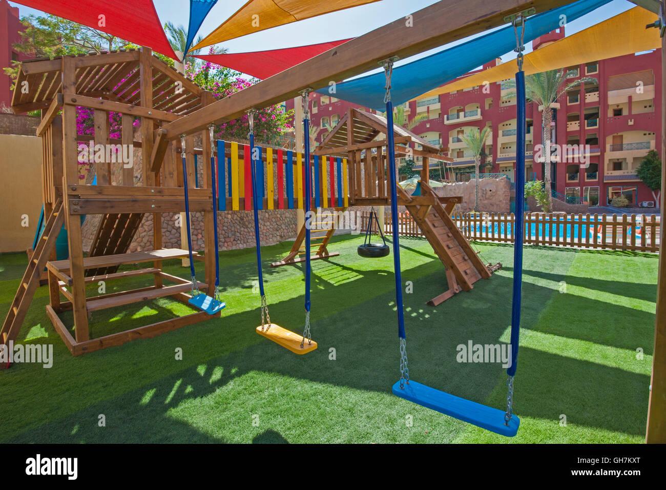 Klettergerüst Kinder Outdoor : Kinder spielplatz im freien bereich tropical hotel resort mit