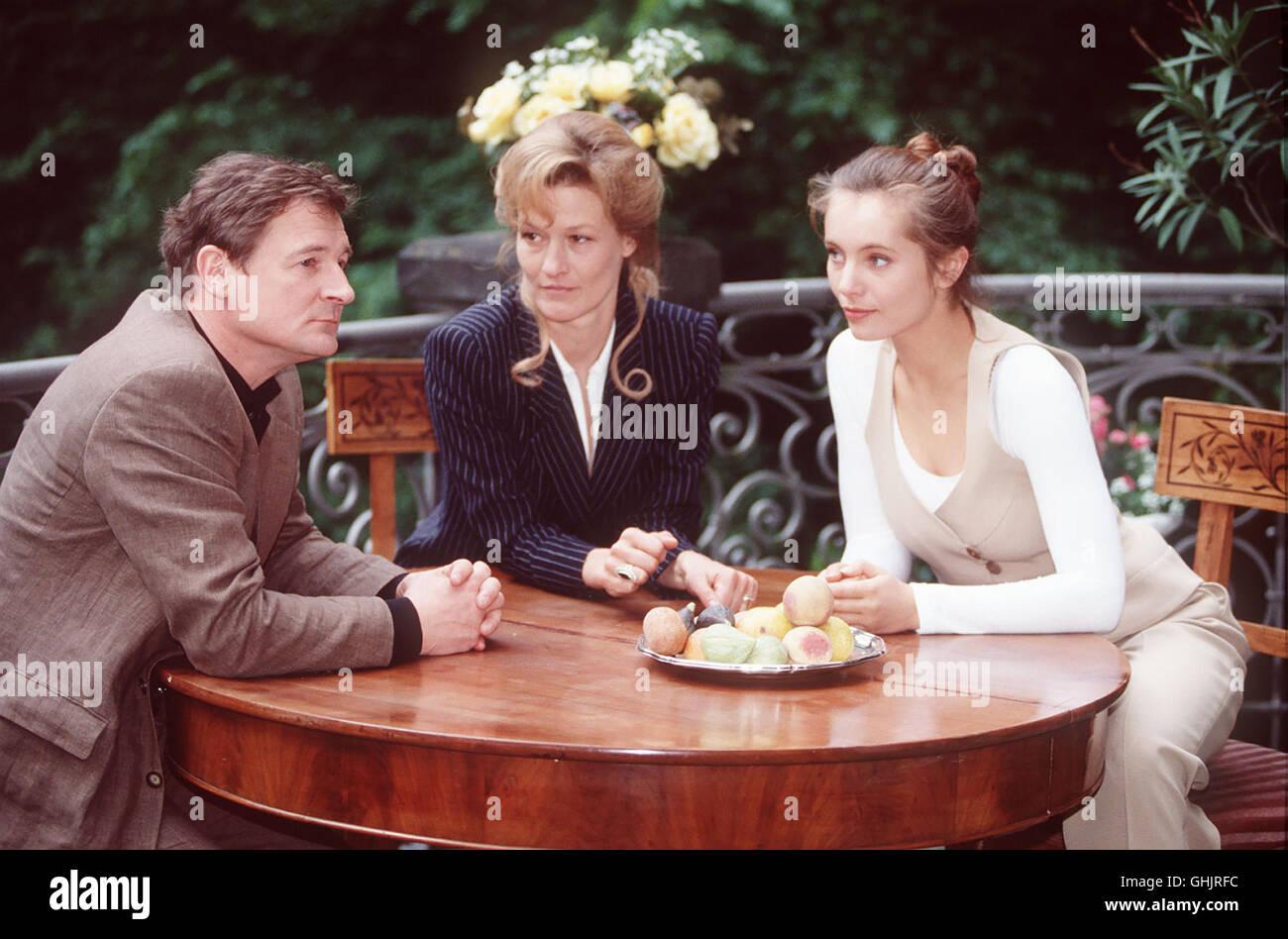 Sterben Sie Schwestern Astrid Und Britta brachte Nach Dem Tod der Eltern Das Modehaus Winkelmann Zur Nr. 1 Machen. Stockbild