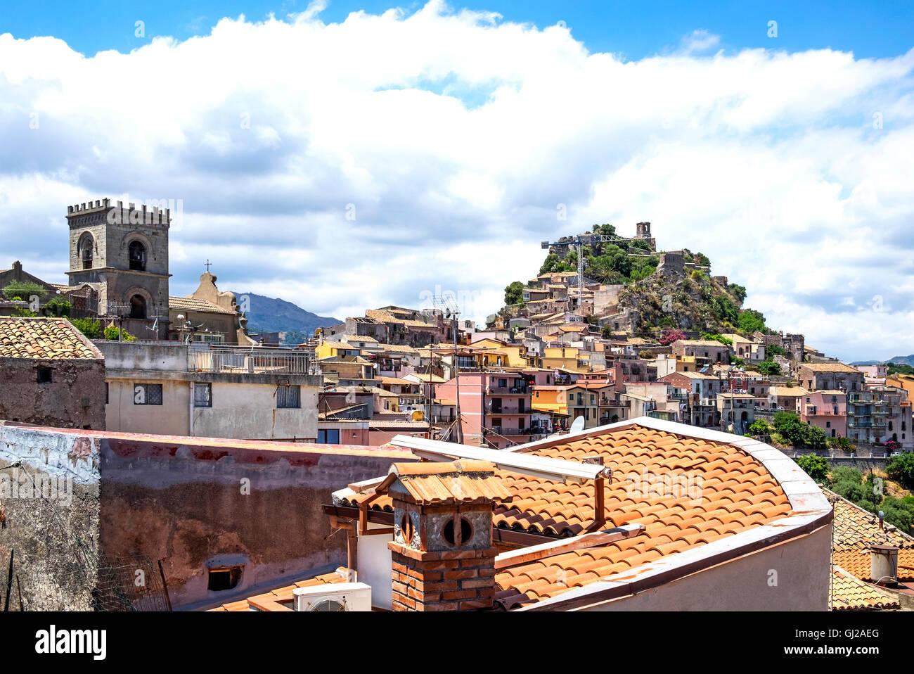 Die sizilianischen Dorf von Forza d'Agro hoch in die Peloritani Berge auf der Insel Sizilien, Italien Stockbild