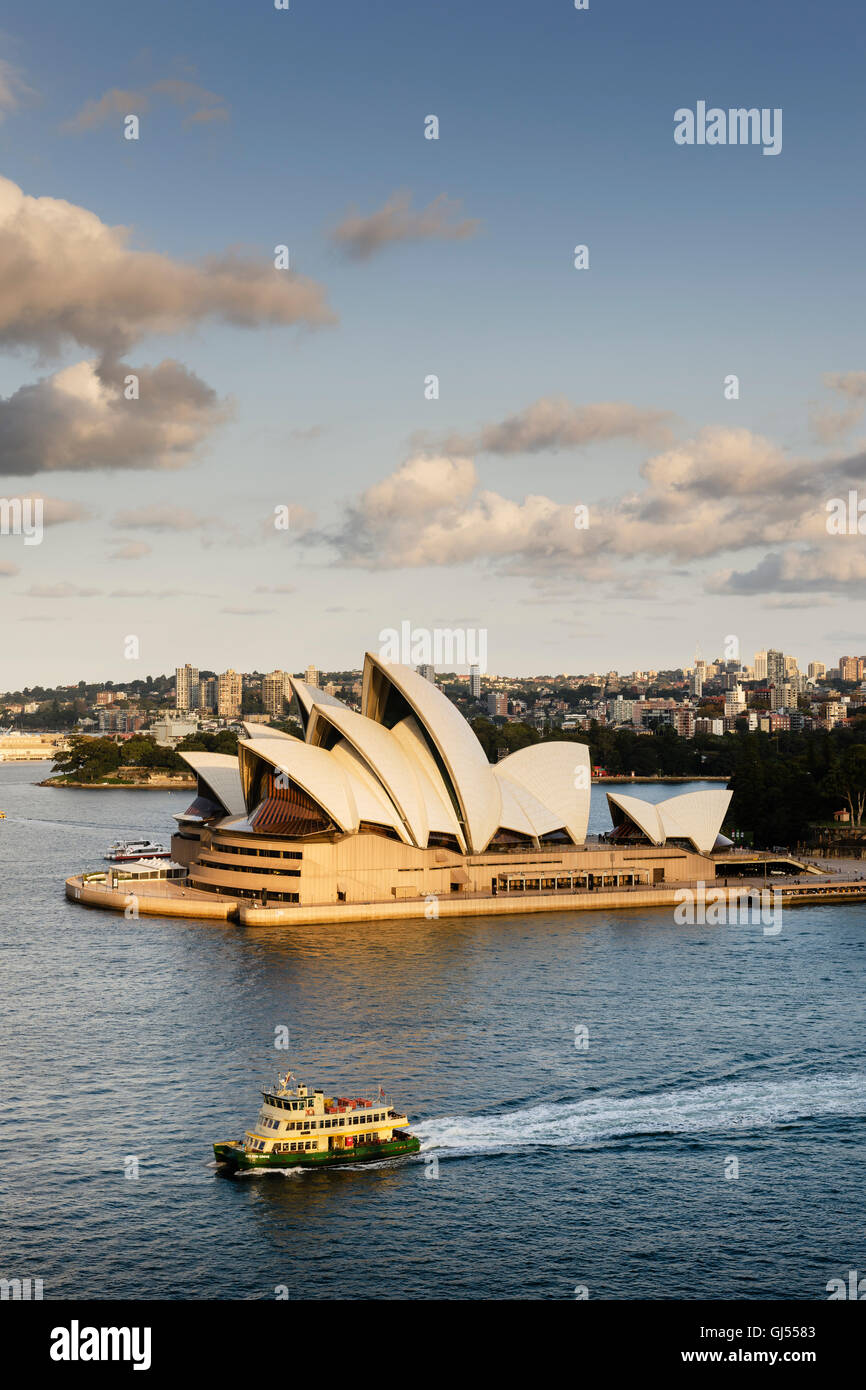 Sydney Opera House im Hafen von Sydney. Stockbild