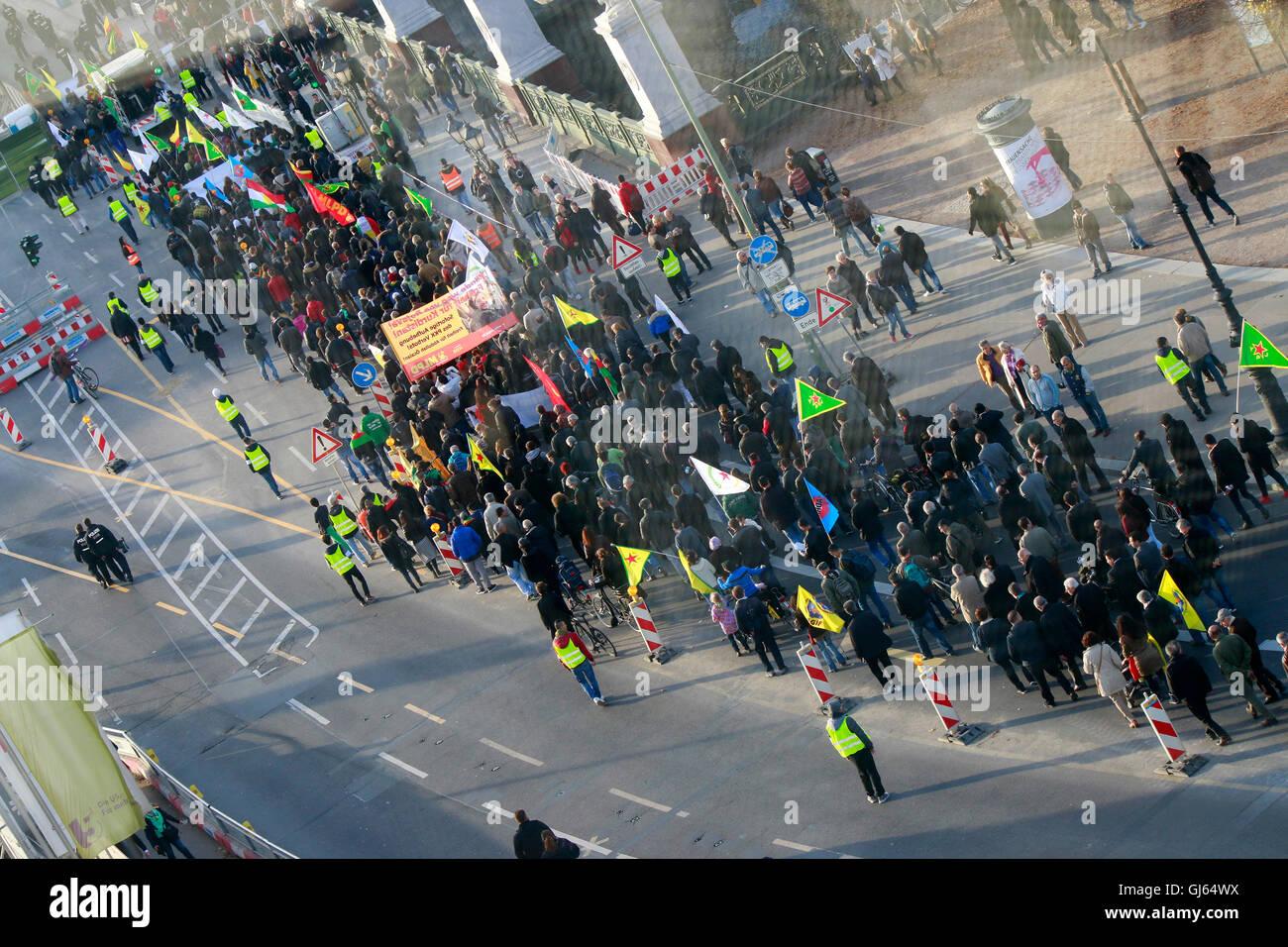 Demonstration Auf Dem Boulevard Unter Den Linden, Berlin. Stockbild