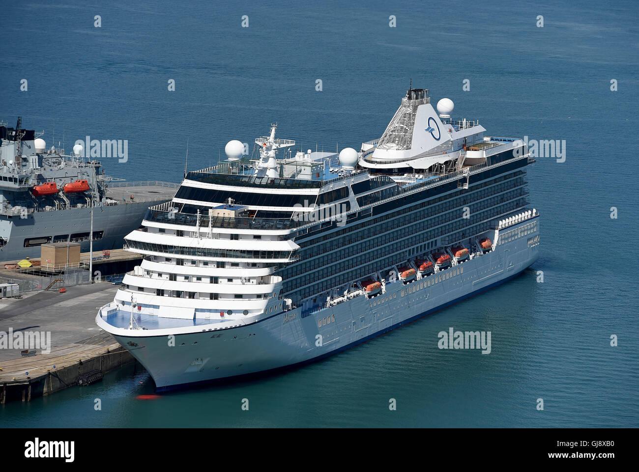 Oceania Cruise Ship Ms Marina Stockfotos & Oceania Cruise Ship Ms ...