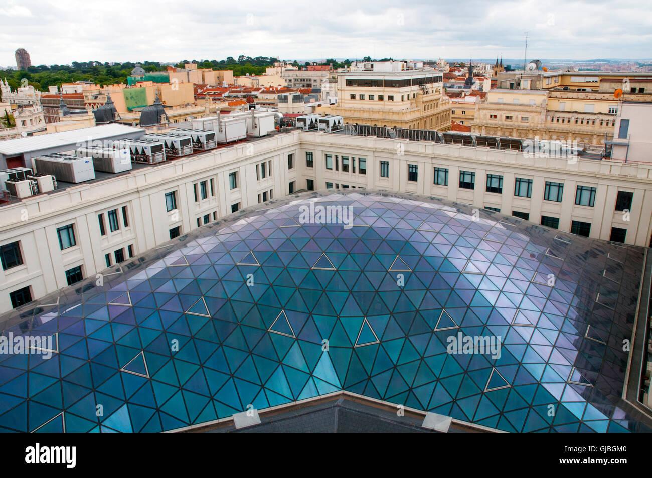 Gläserne Decke der Glasgalerie, Ansicht von oben. Cibeles Palace, Madrid, Spanien. Stockbild