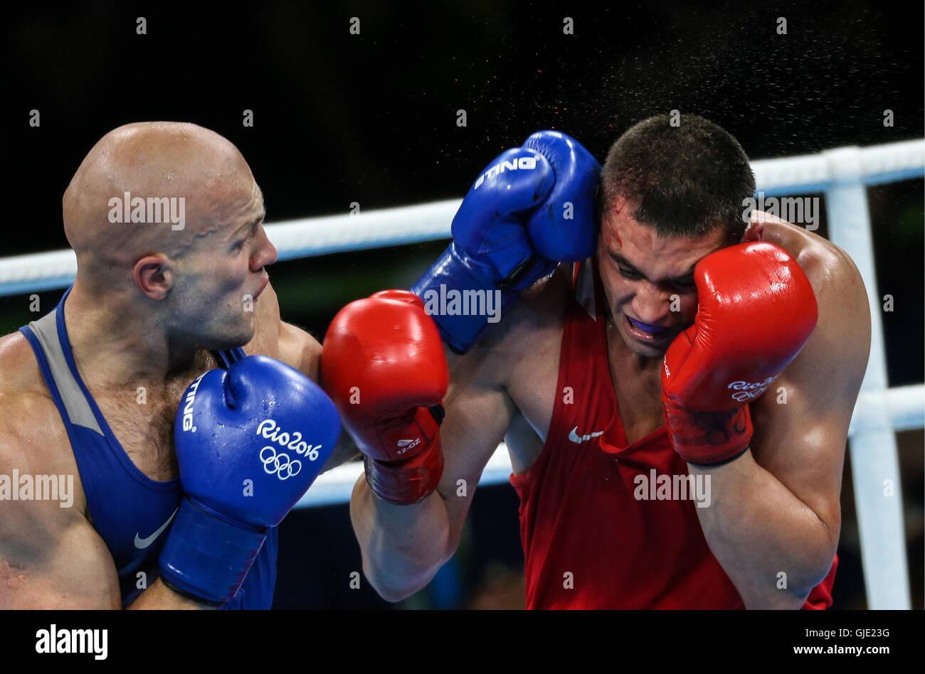 Rio De Janeiro, Brasilien. 15. August 2016. Wassilij Levit (L) von Kasachstan und Yevgeny Tishchenko Russland Kampf Stockbild