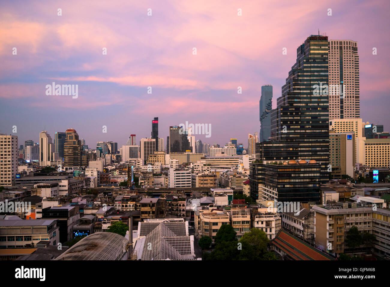 Sonnenuntergang-Bangkok, Thailand, Übersicht Stockbild