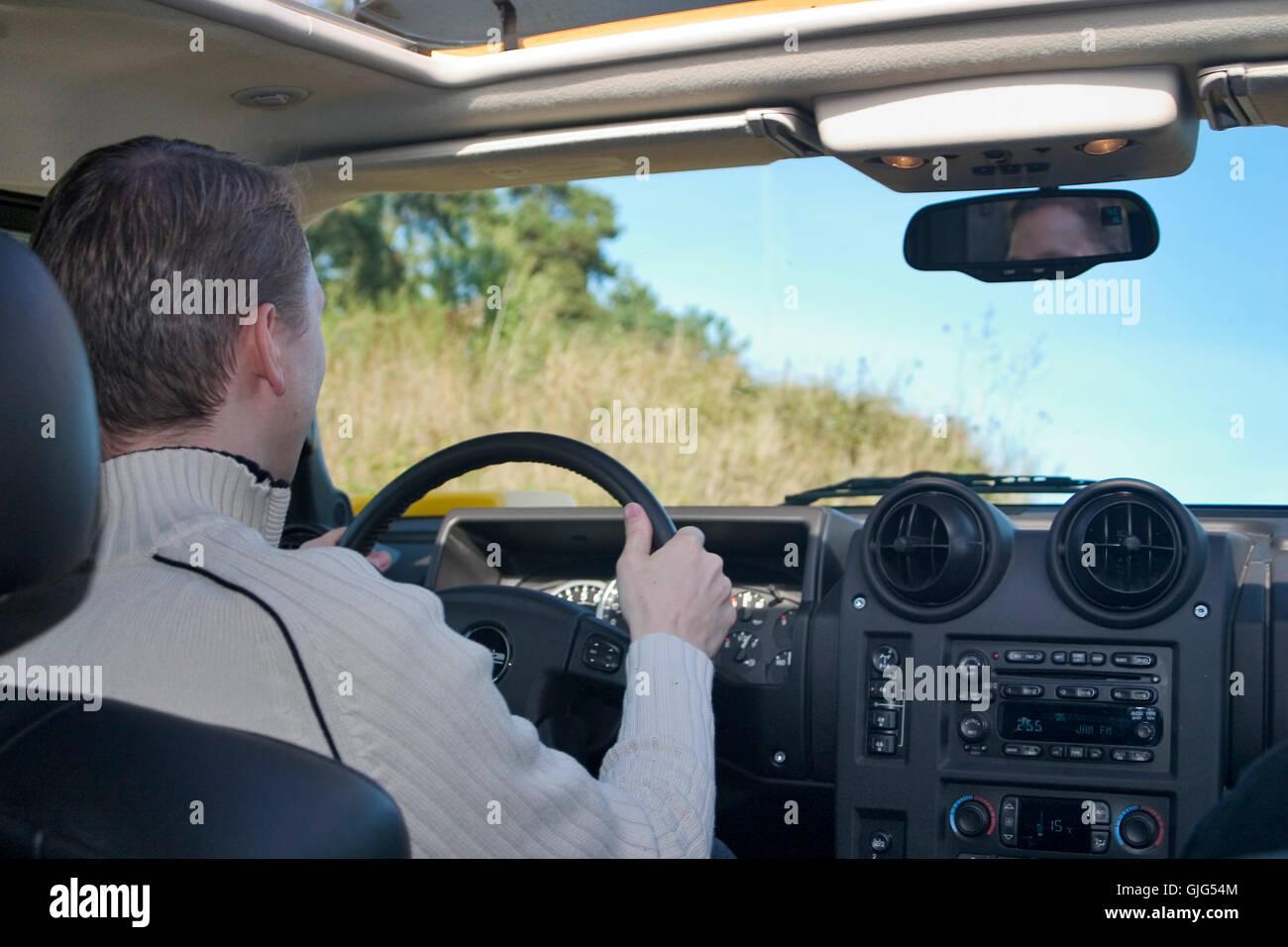 Car Hummer H2 Cross Country Stockfotos & Car Hummer H2 Cross Country ...