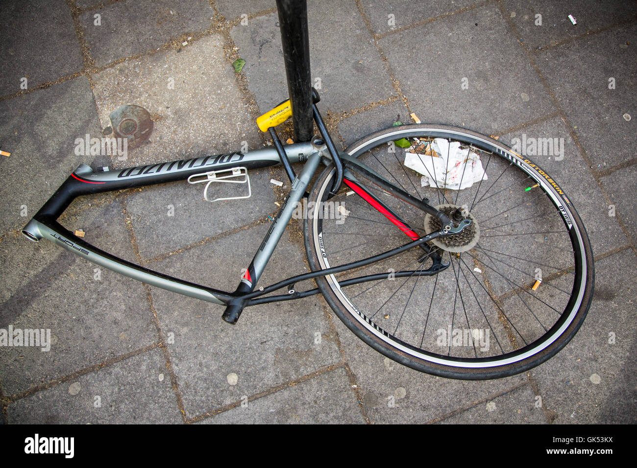 Bike Broken Frame Stockfotos & Bike Broken Frame Bilder - Alamy