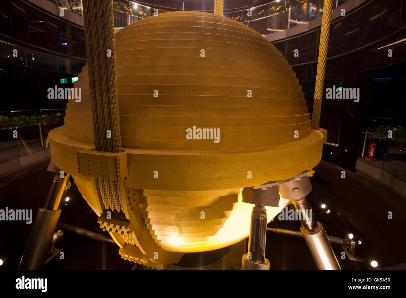 Damper taipei 101 stockfotos damper taipei 101 bilder for Taipei tower ball