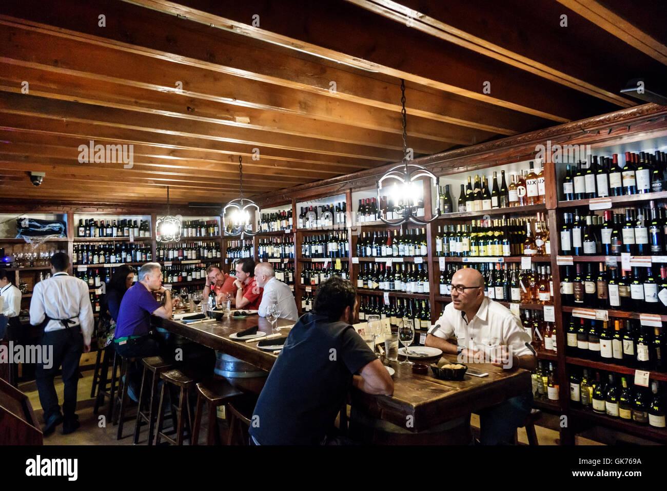 Miami Florida El Carajo tapas Wine Bar spanische Restaurant ...