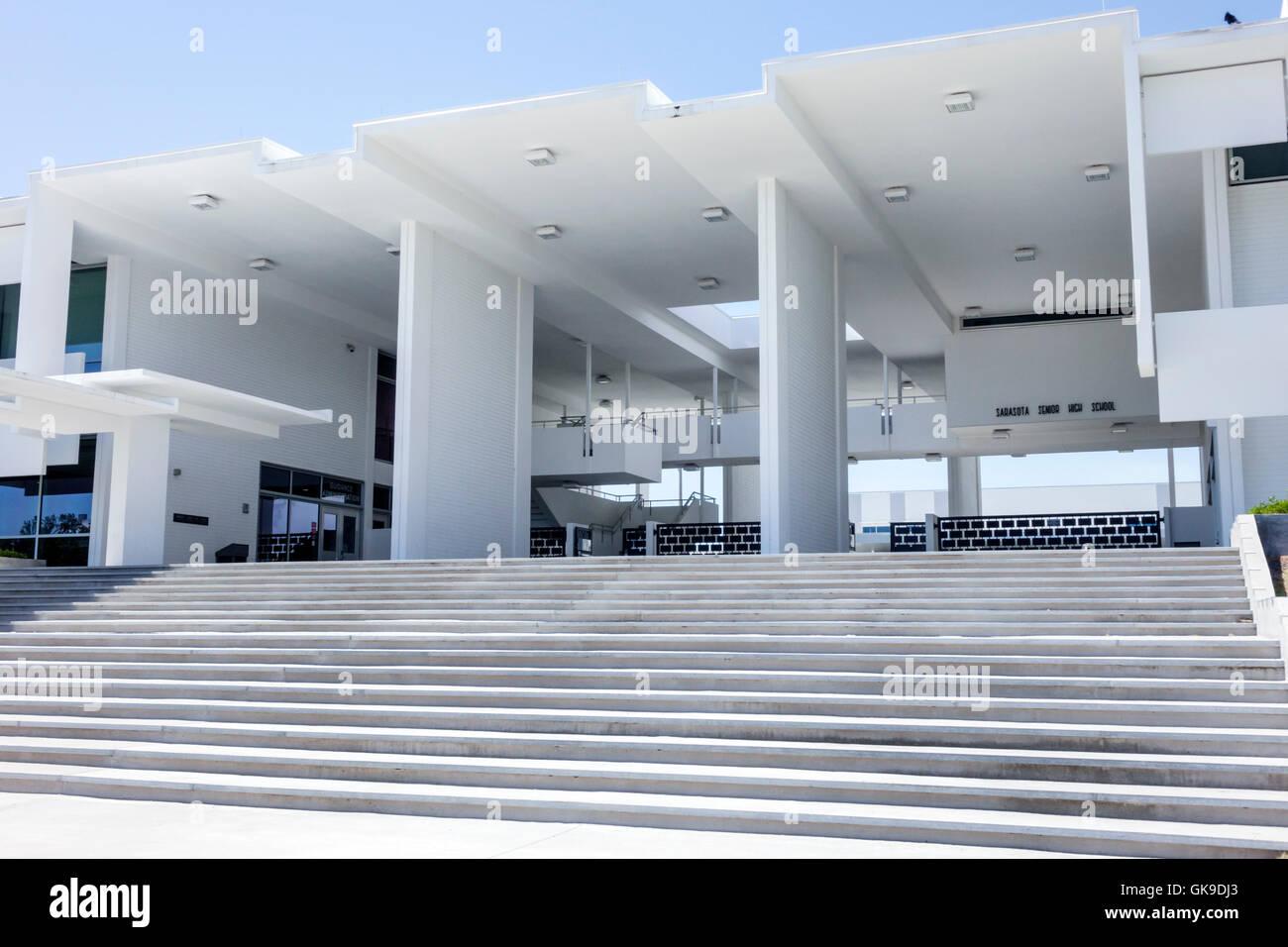 Sarasota florida sarasota high school public high school for Moderne architektur gebaude