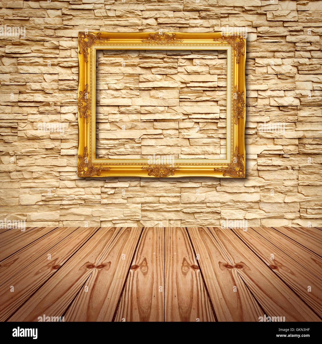 Goldrahmen an moderne Ziegelwand hängen Stockfoto, Bild: 115404507 ...
