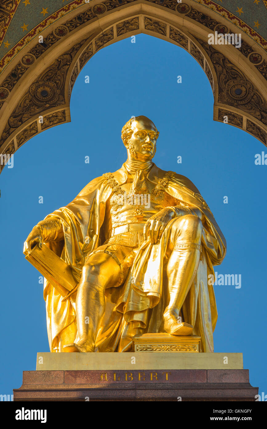 Albert Memorial London, die goldene Statue von Prince Consort in der Albert Memorial in Kensington Gardens, London, Stockbild