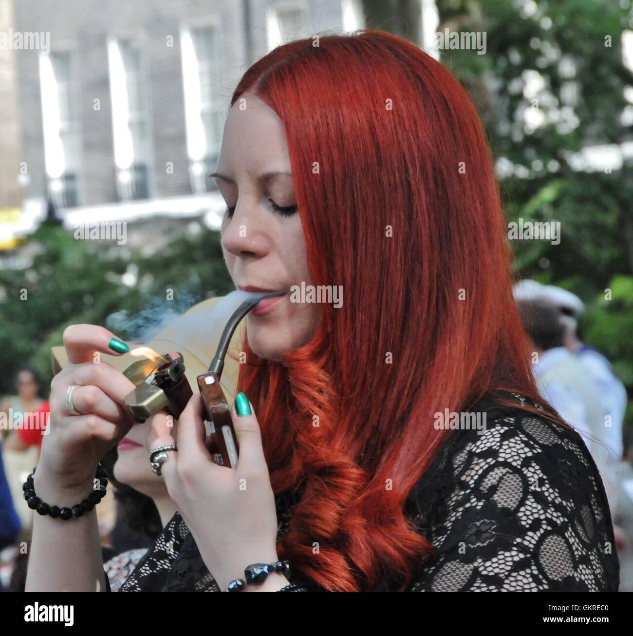 In Der Pfeife Rauchen