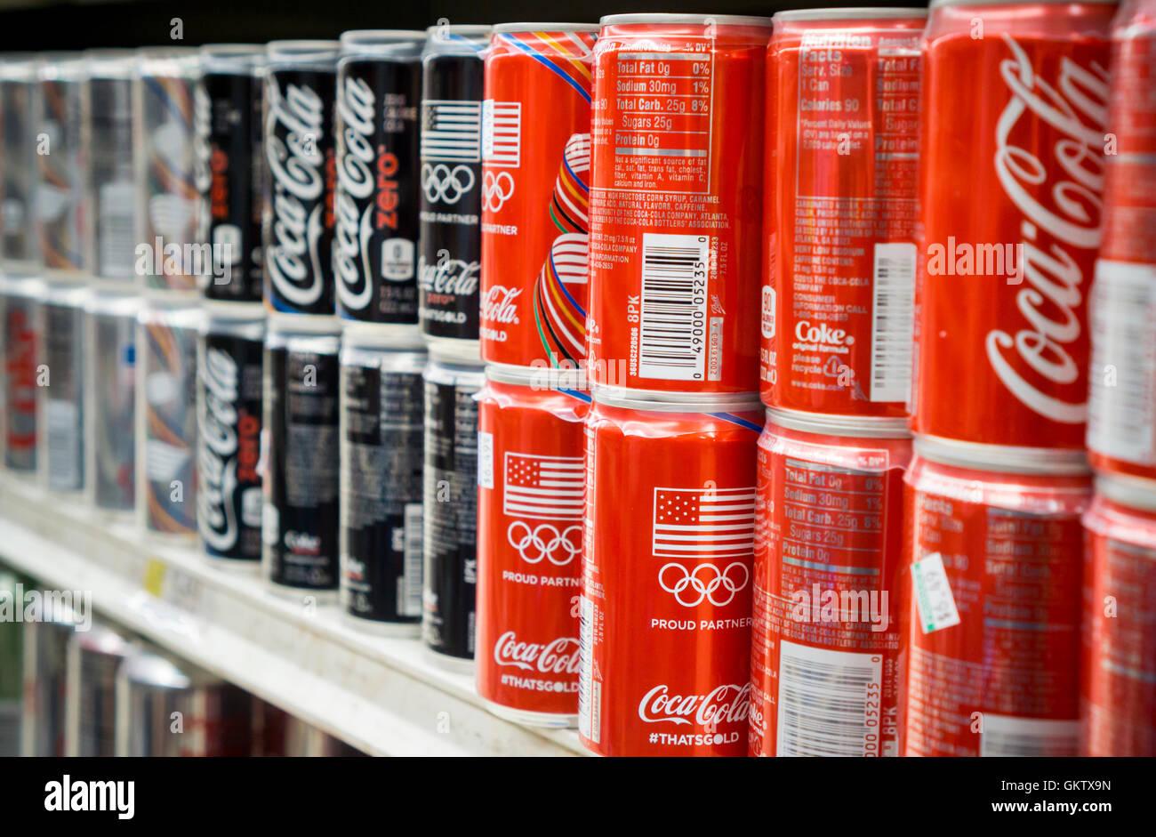 Mini Kühlschrank Dose : Mini dosen stockfotos mini dosen bilder alamy