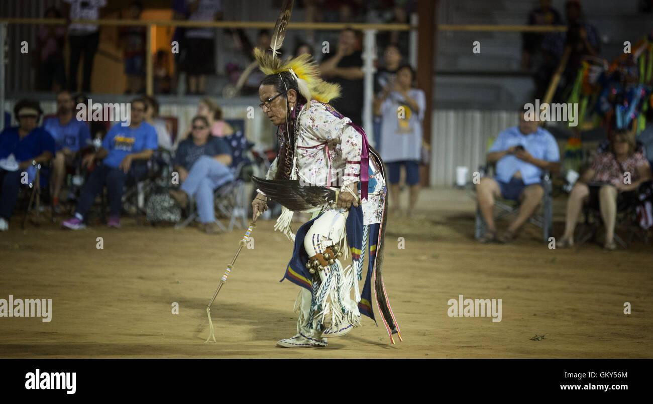 Apache Spirit Dancer Stockfotos & Apache Spirit Dancer Bilder - Alamy