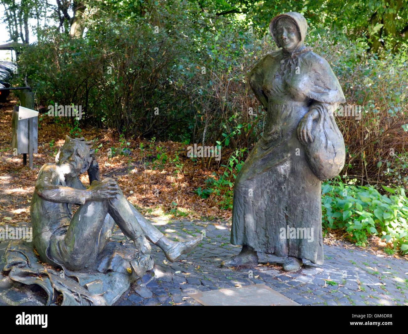 Statue, die des Teufels am Lousberg, Aachen. Dies geht zurück auf eine Volkssage, wo der Teufel von einer alten Stockbild