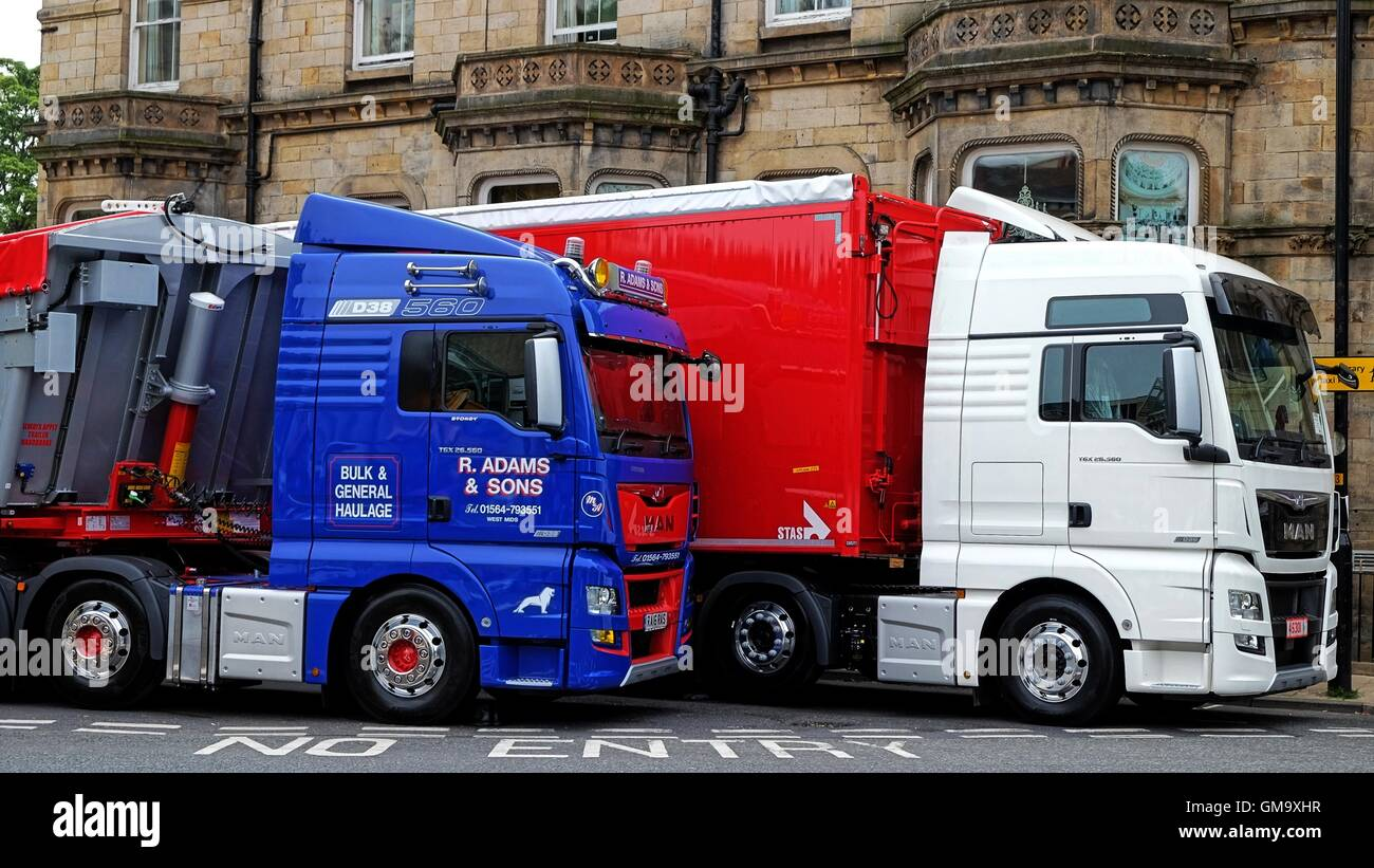 road show lorry stockfotos road show lorry bilder alamy. Black Bedroom Furniture Sets. Home Design Ideas