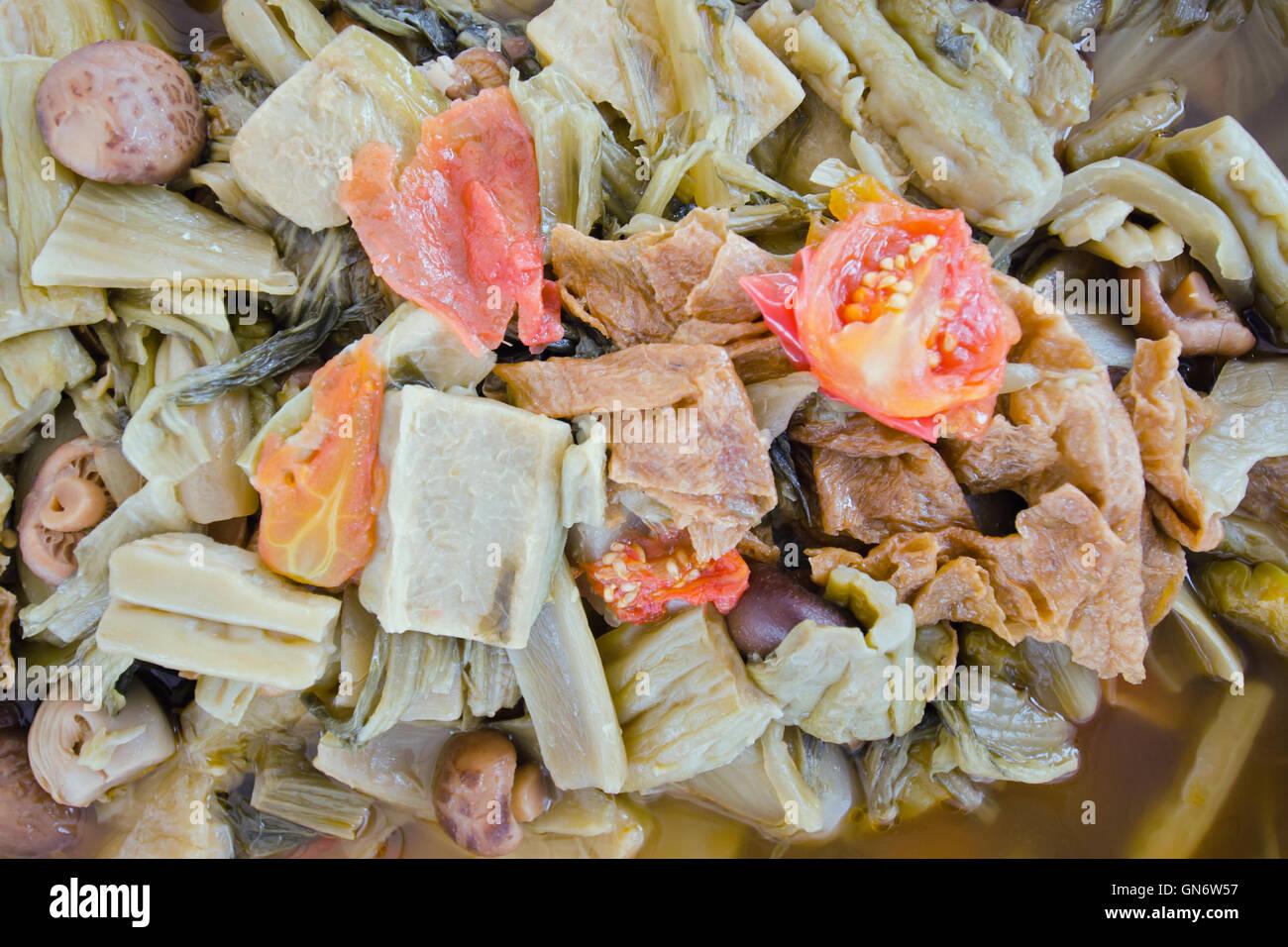 Tom Jab Chai Eintopf in Chinesisch, gemischtes Gemüse, Tofu und ...