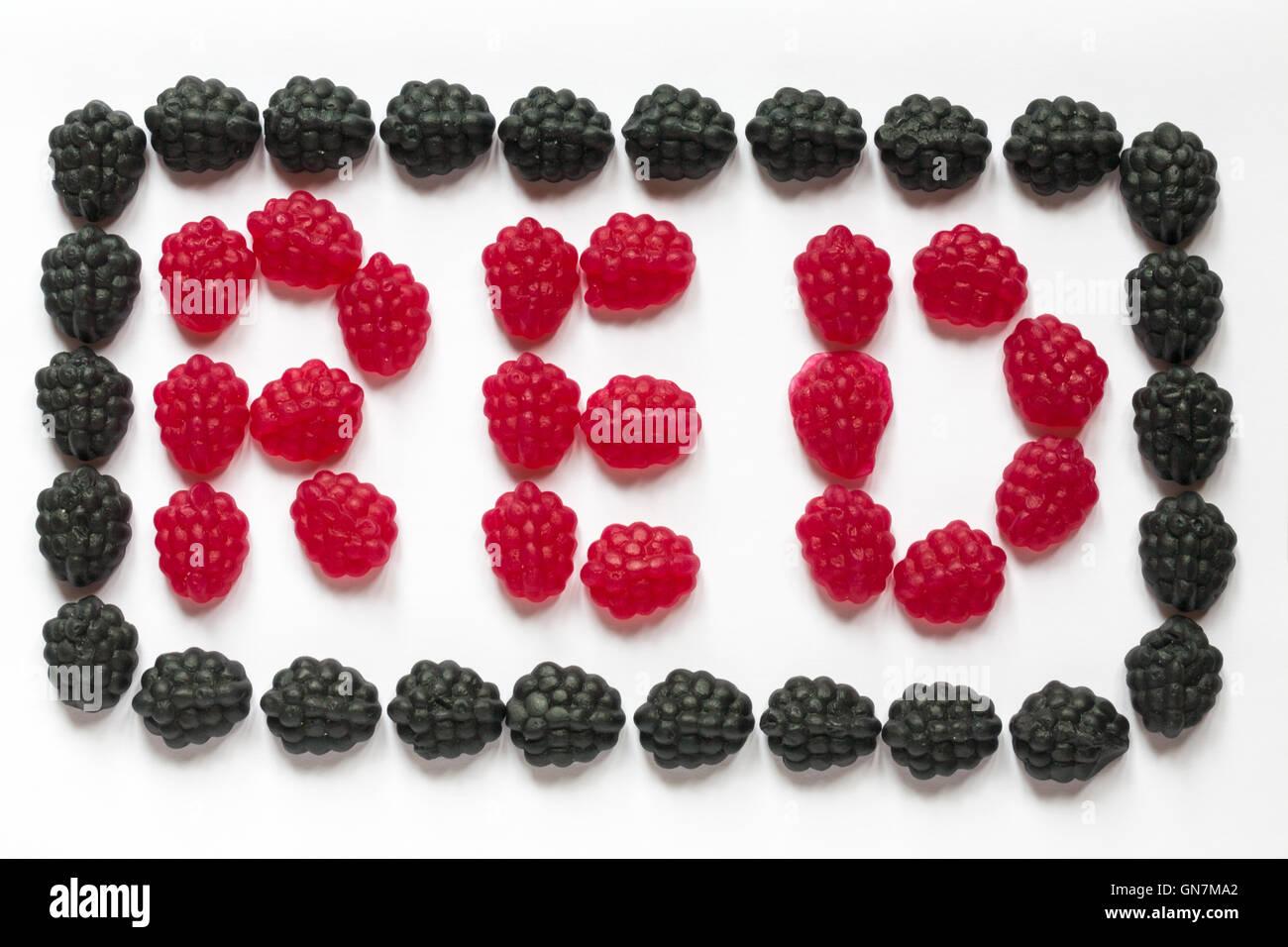 M & S rot & schwarz Zahnfleisch angeordnet, um das Wort rot in einem ...