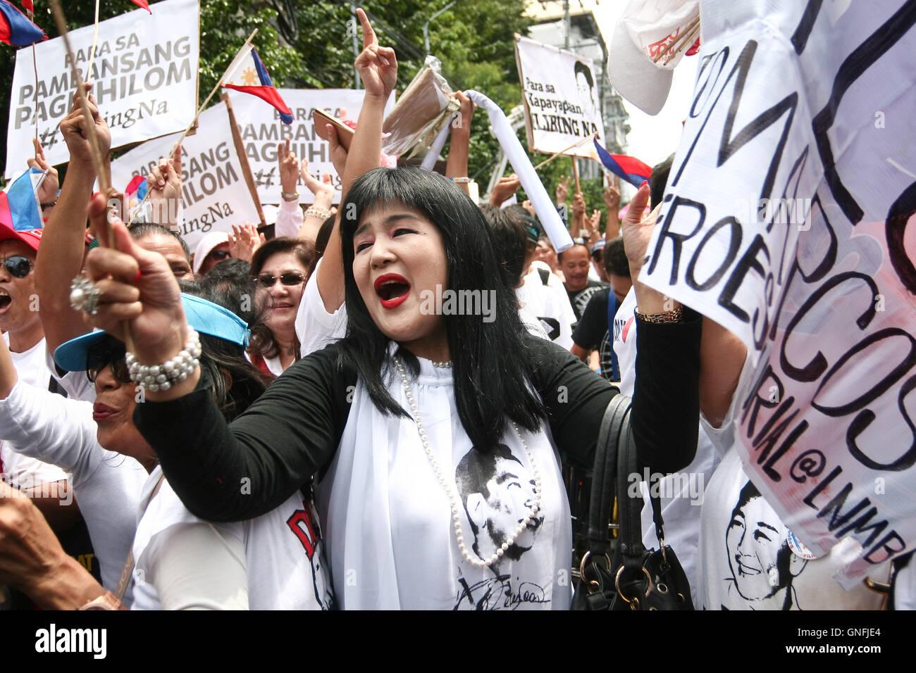 Nett Manila Tags Mit Draht Zeitgenössisch - Die Besten Elektrischen ...