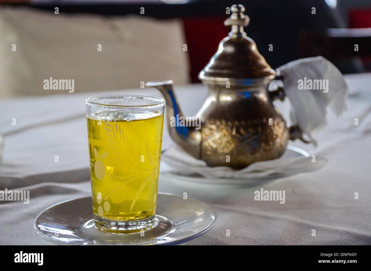 mint tea marrakesh stockfotos mint tea marrakesh bilder alamy. Black Bedroom Furniture Sets. Home Design Ideas