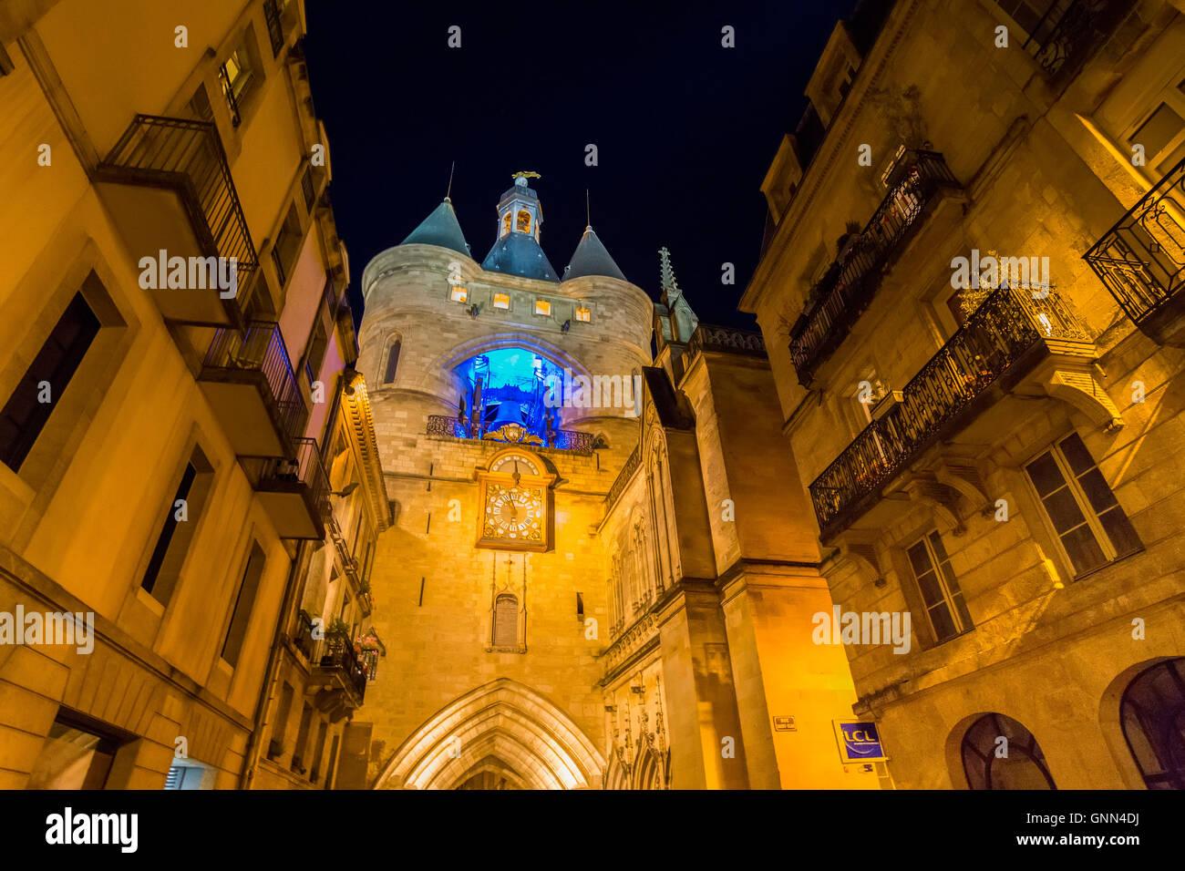 Uhrturm In Der Nacht, Der Grosse Cloche, Bordeaux, Gironde. Aquitaine  Frankreich Europa