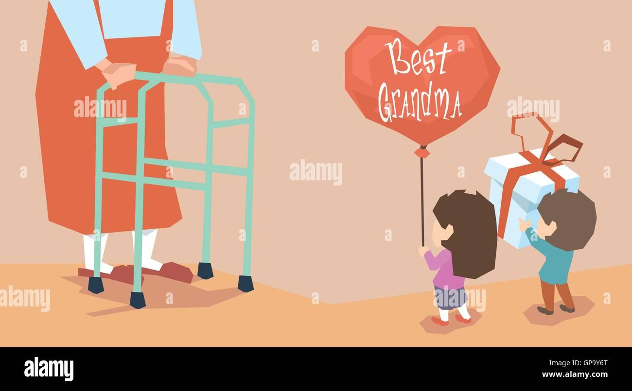 Kleiner Junge Mädchen geben Geschenk Ballon Großmutter lange Beine ...