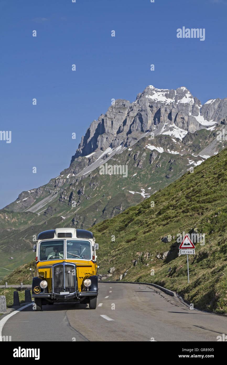 Nostalgiefahrt mit dem Postbus Stockbild