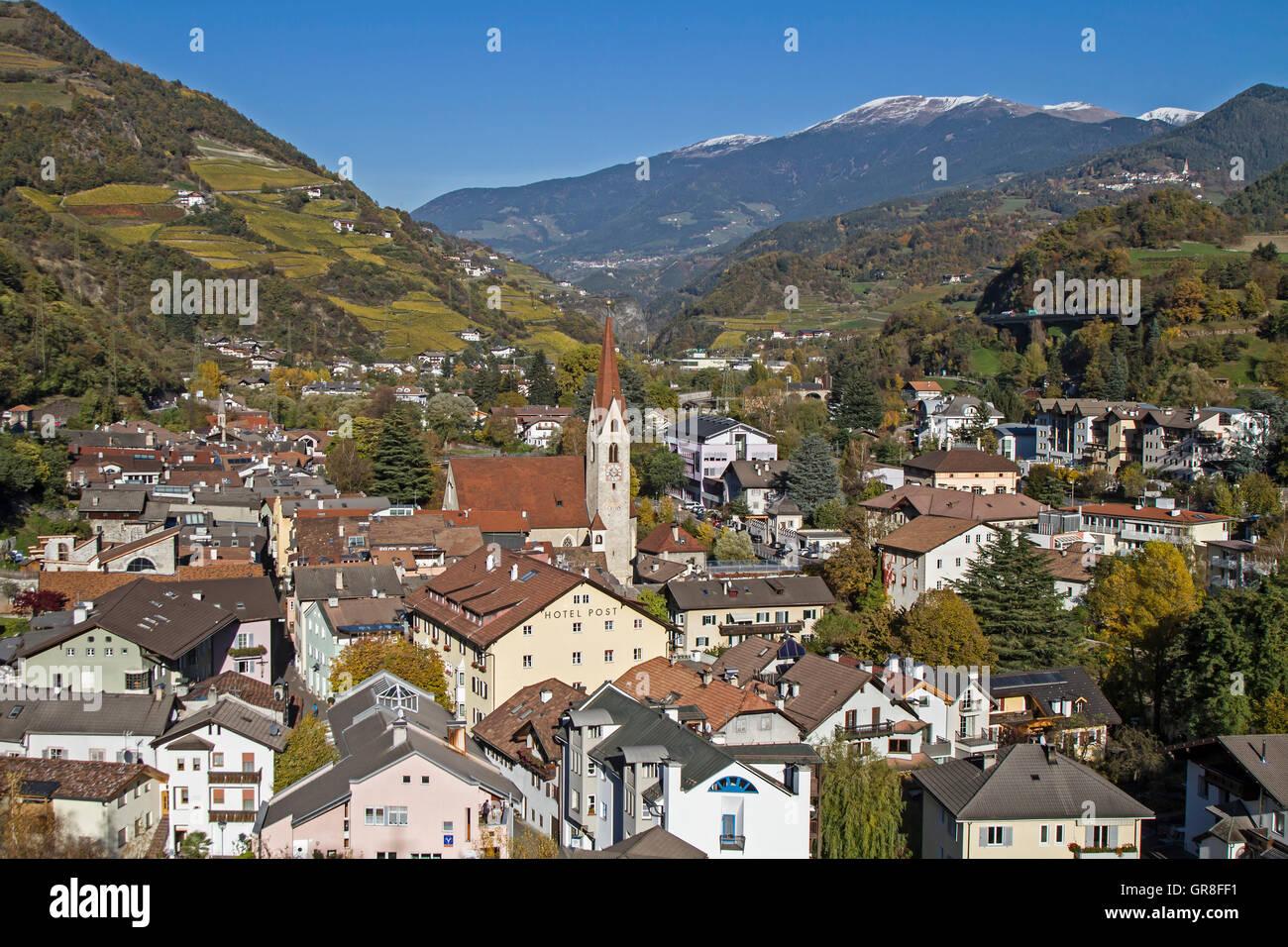Historisch Und Touristisch Bekannter Ort In Südtirol Stockbild