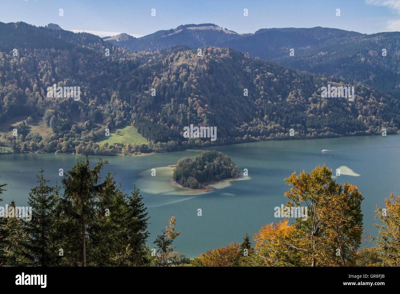 Idyllische Kleine Insel Im Schliersee Stockbild