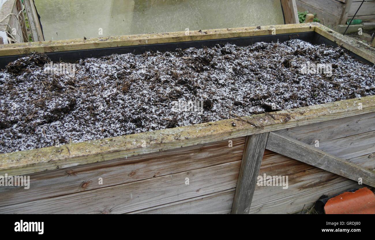 Hochbeet Im Winter Vorbereitet Fur Die Pflanzung Im Fruhjahr
