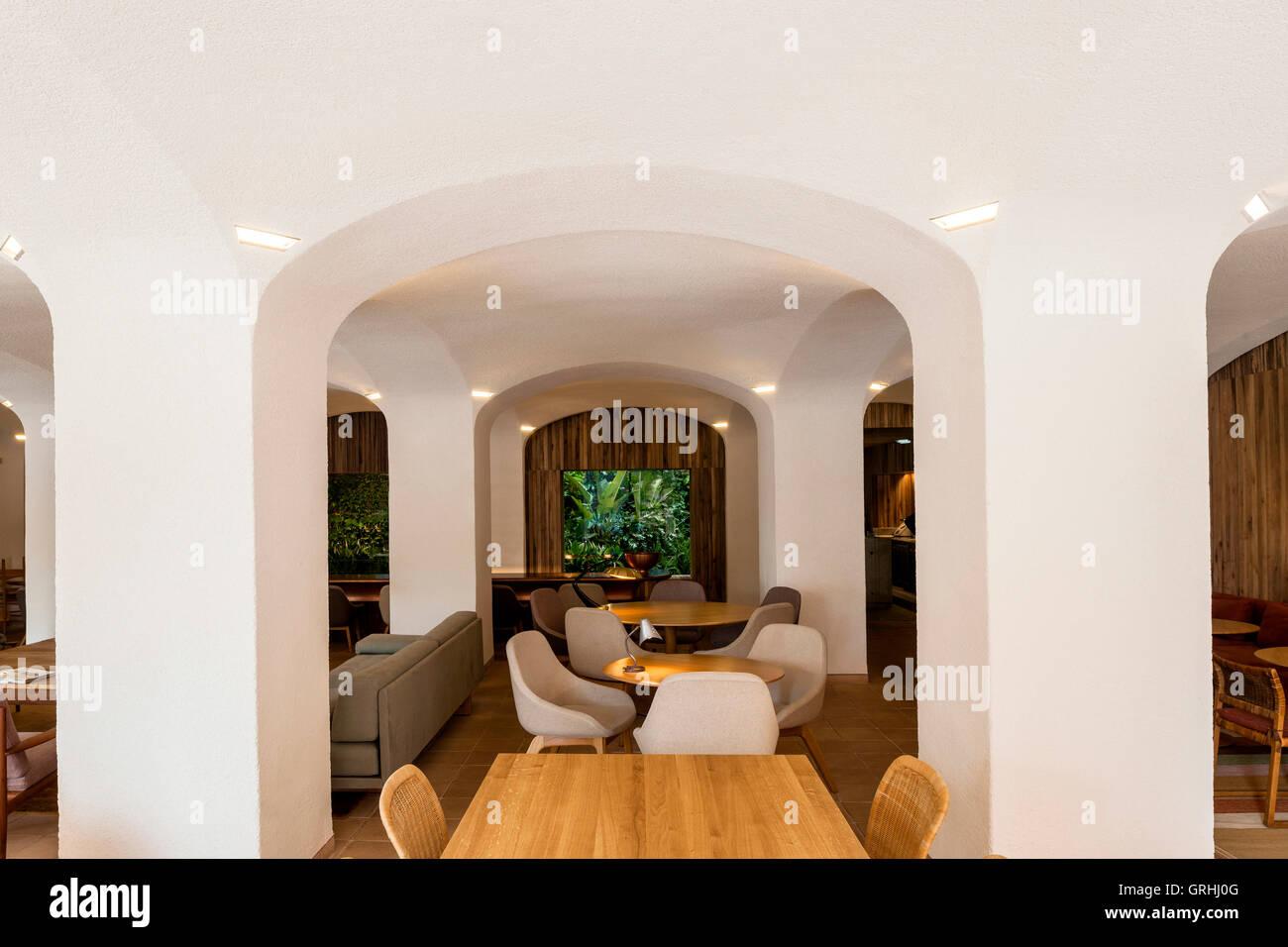 Beeindruckend Architekt Suchen Galerie Von Weitwinkel-ansicht In Richtung Bar. Green Spot Restaurant,