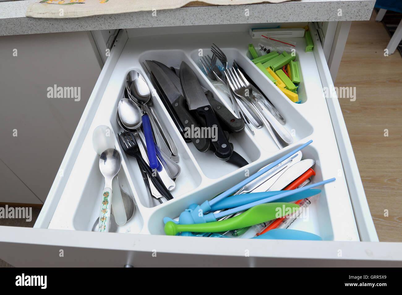 Drawer Handles Stockfotos & Drawer Handles Bilder - Alamy