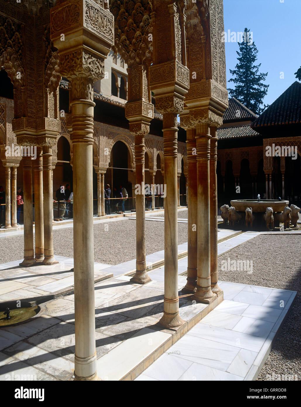 Gericht der Löwen, Alhambra-Palast, Andalusien, Granada, Spanien Stockbild