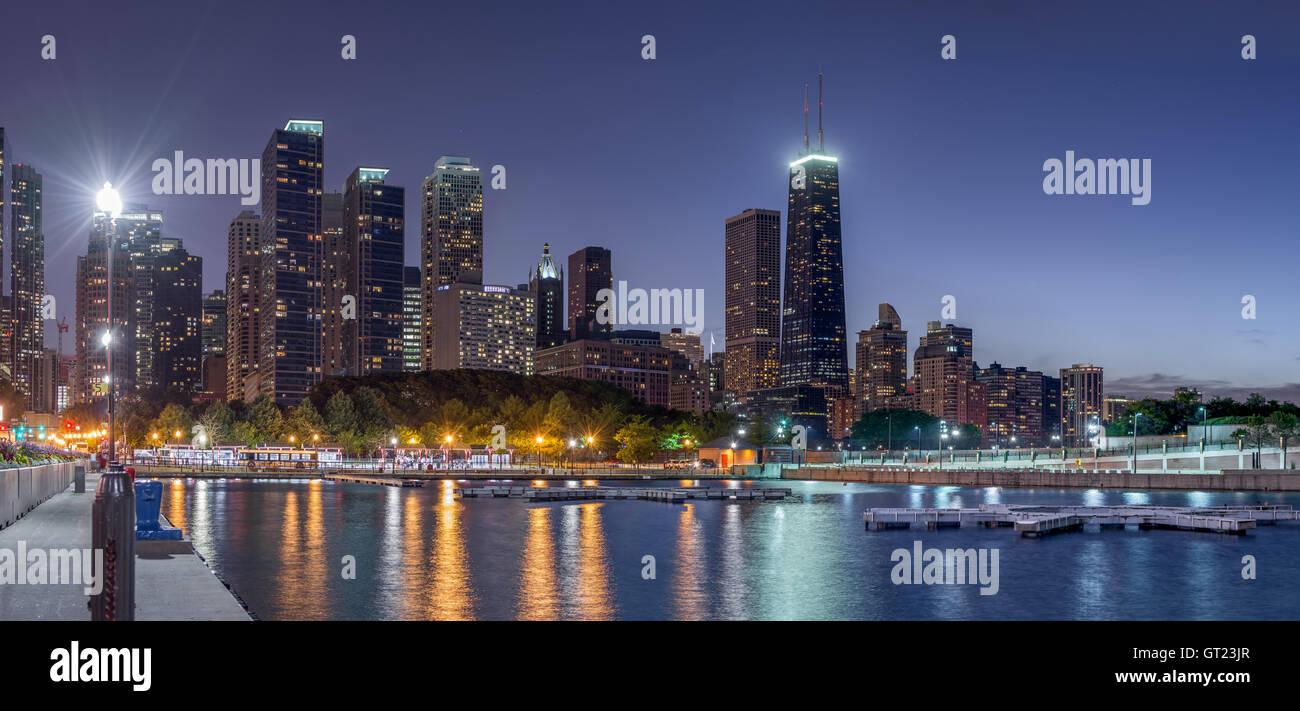Skyline von Chicago, North Downtown Blick vom Navy Pier Stockfoto