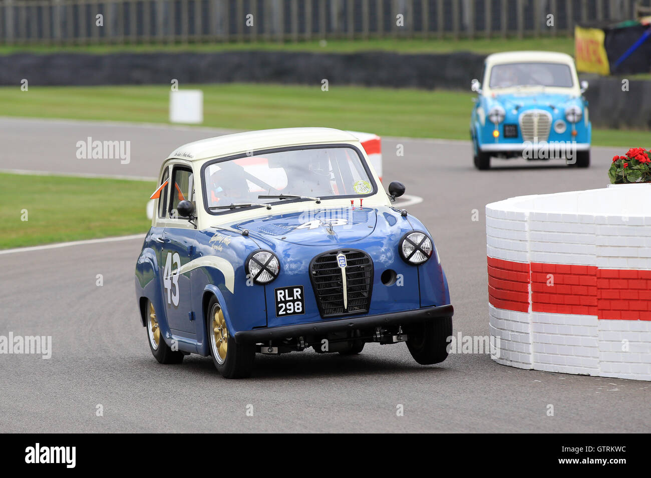Chichester, UK. 09. Sep, 2016.  Nicolas Minassian in Austin A35 - St Mary's Trophy.  Das Goodwood Revival ist Stockbild