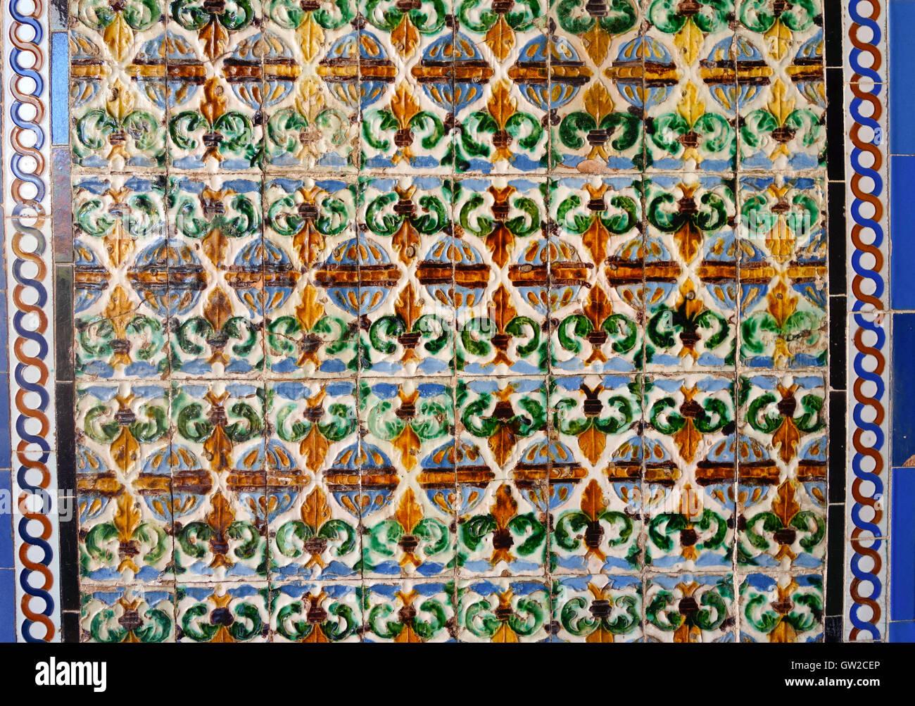Andalusische Fliesen Im Maurischen Palast Alcazar Sevilla - Andalusische fliesen