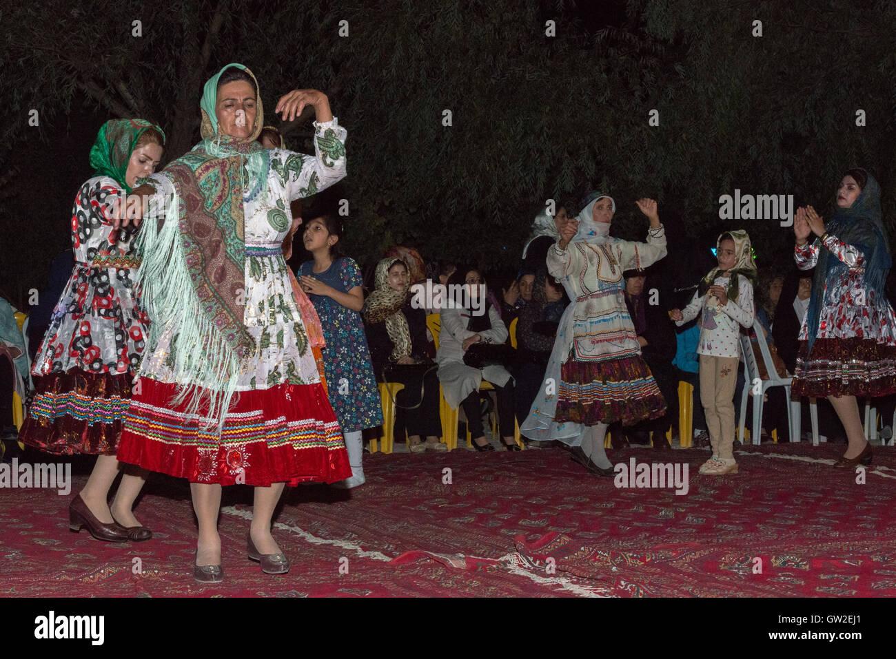 Kurdische Madchen Stockfotos Kurdische Madchen Bilder Alamy