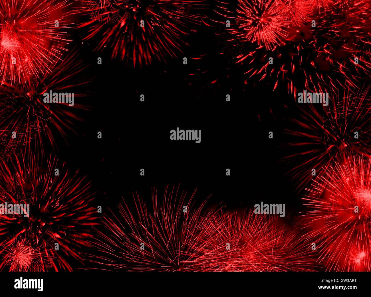 Roter Rahmen oder Rahmen, bestehend aus Feuerwerk Fackeln auf leeren ...