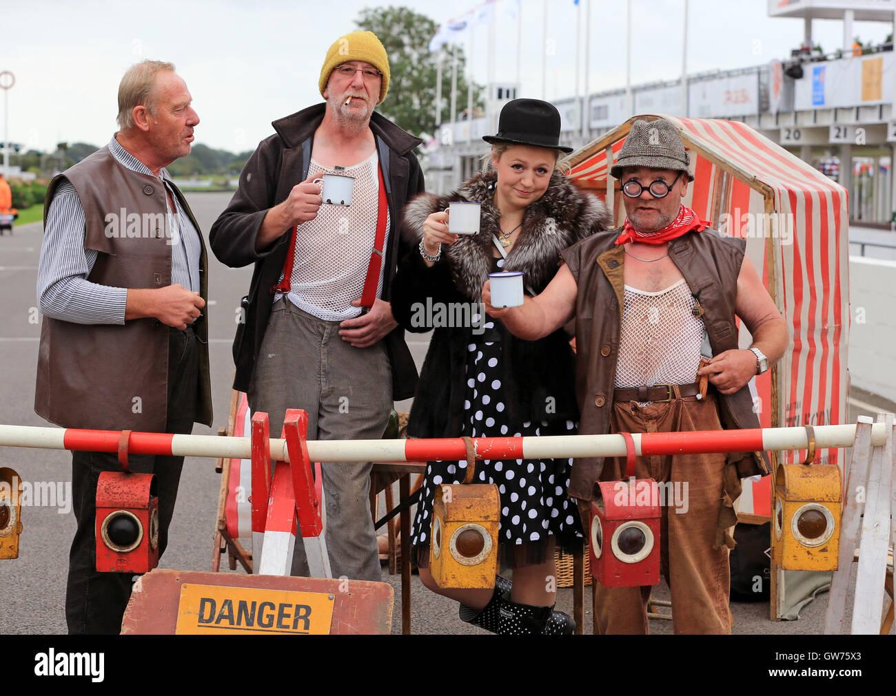 Historische Kostüme / Schauspieler.  Das Goodwood Revival ist eine dreitägige Festival jedes Jahr im September Stockbild