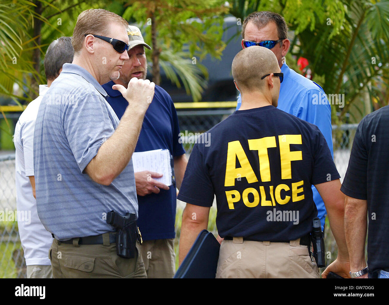 Internet Investigators Stockfotos & Internet Investigators Bilder ...