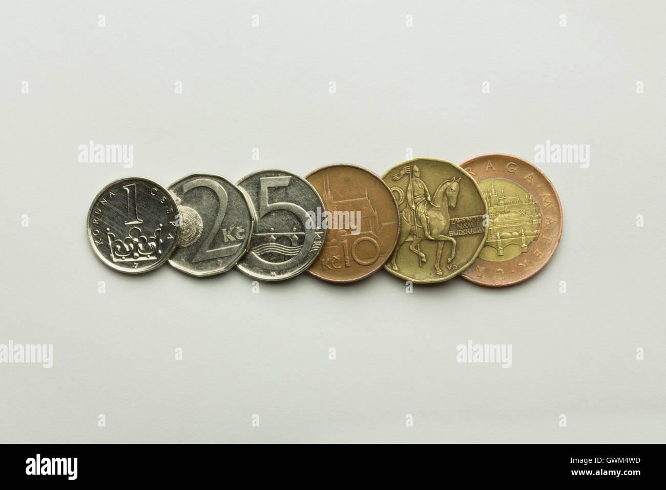 Münzen Sortiert Nach Wert Auf Weißem Hintergrund Währung Ist Der