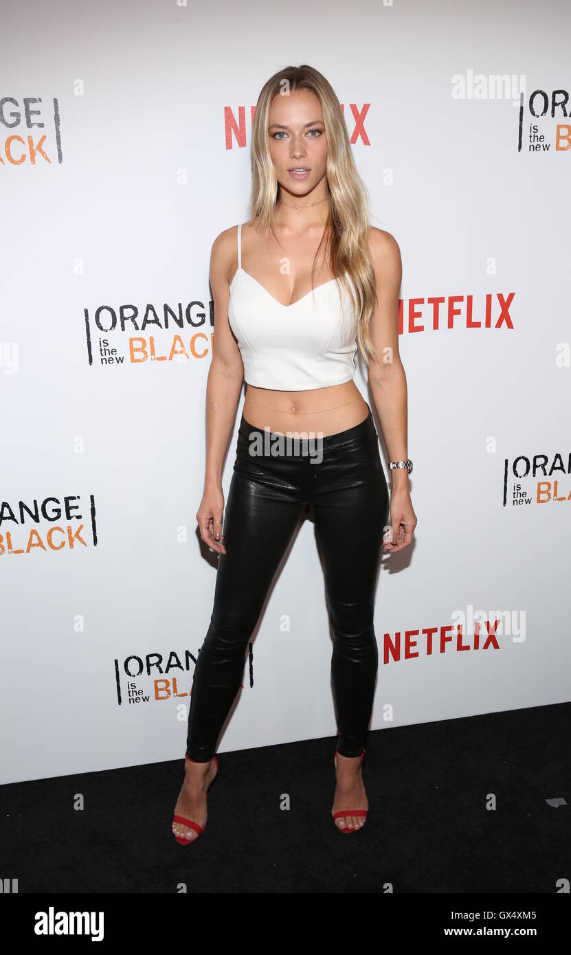 netflix orange ist das neue schwarz staffel 4 new york city premiere mit hannah ferguson wo. Black Bedroom Furniture Sets. Home Design Ideas