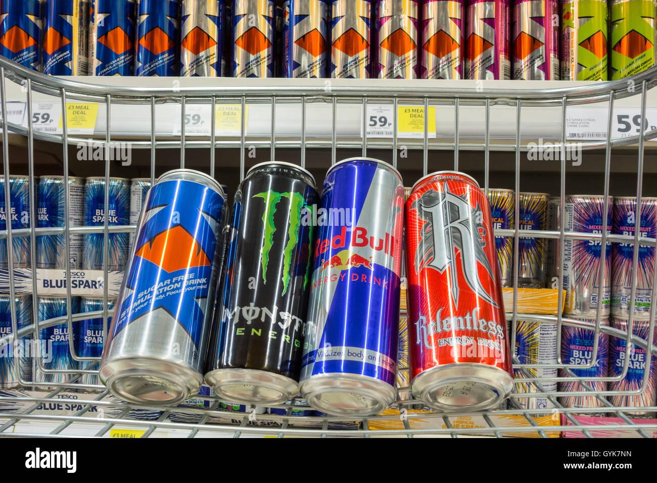 Red Bull Kühlschrank Case : Red bull cans stockfotos & red bull cans bilder alamy